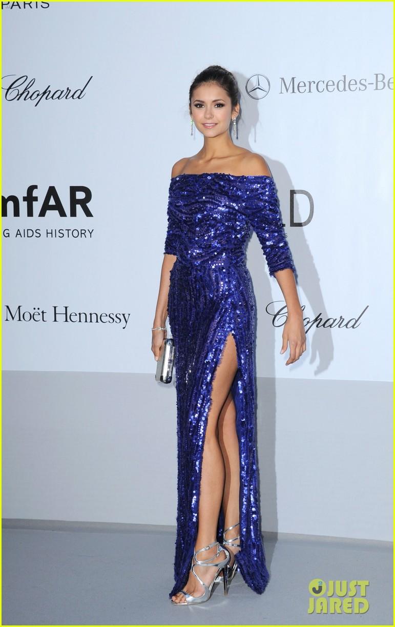 Nina Dobrev no Baile da amfAR em Cannes 2012
